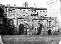 Porte d'Arles dite d'Auguste