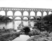 Pont du Gard et aqueduc romain de Nîmes