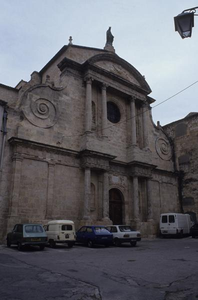 Eglise paroissiale Saint-Sauveur, ancienne abbatiale