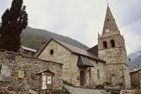 Eglise Saint-Pierre et Saint-Paul, située au hameau des Hières