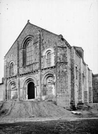 Ancienne église priorale Saint-Pierre de Parthenay-le-Vieux