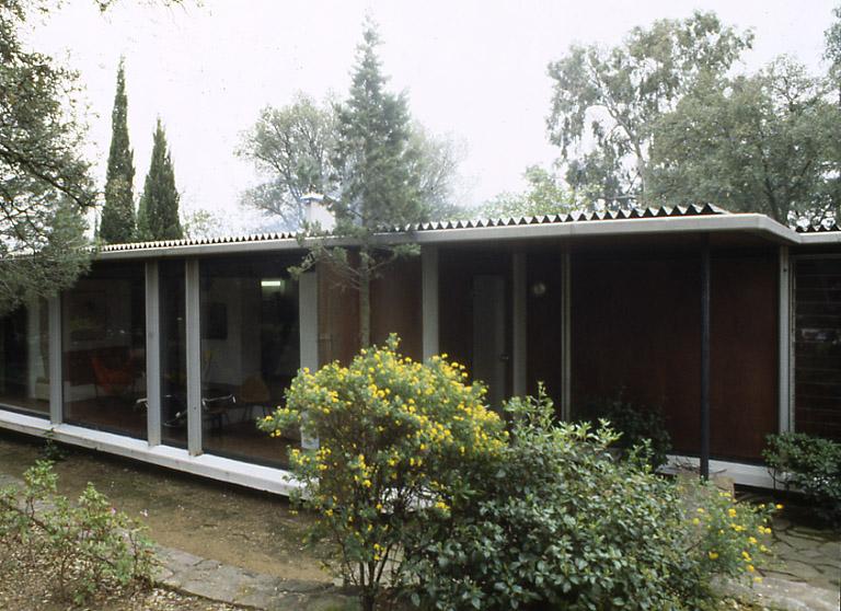 villa seynave grimaud 83310. Black Bedroom Furniture Sets. Home Design Ideas