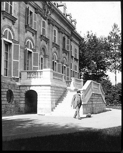 Château (ancienne maison de campagne de l'abbaye Saint-Aubert-de-Cambrai)