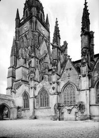 Eglise Saint-Pierre, ancienne cathédrale, et son cloître