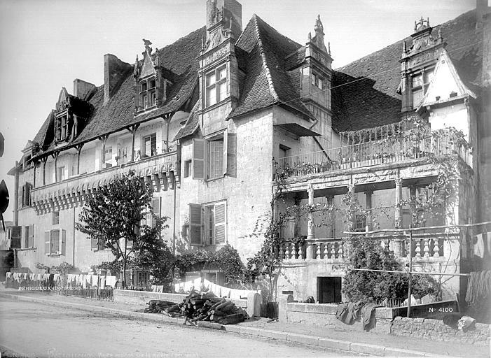 Maison renaissance ou maison colonnes p rigueux 24000 for Agessa ou maison des artistes