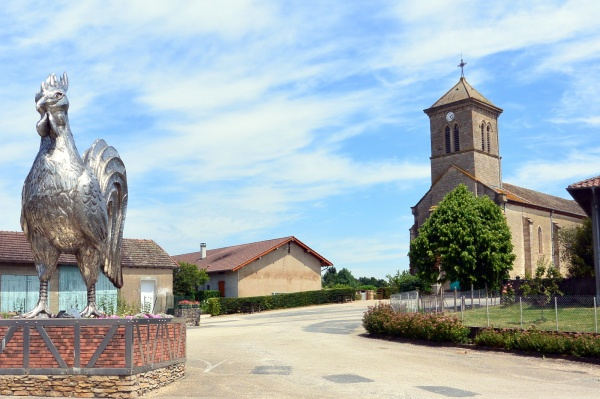 Mantenay-Montlin,le bourg.