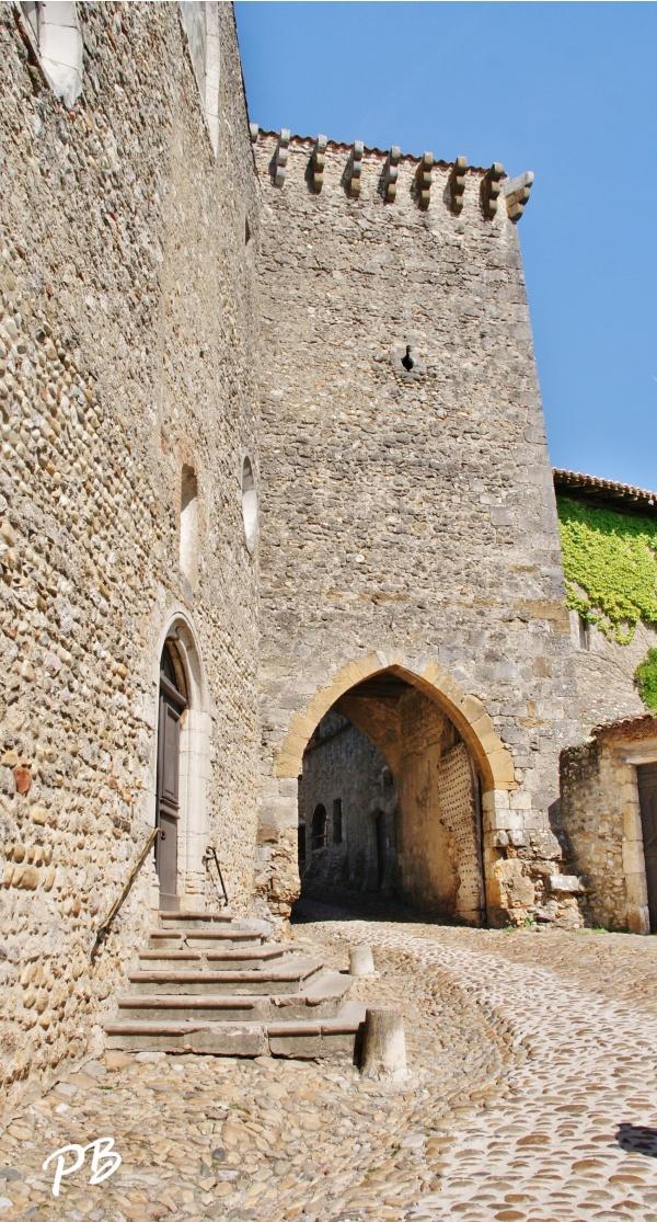 Photo Pérouges - Le Village ( Porte d'en Haut )