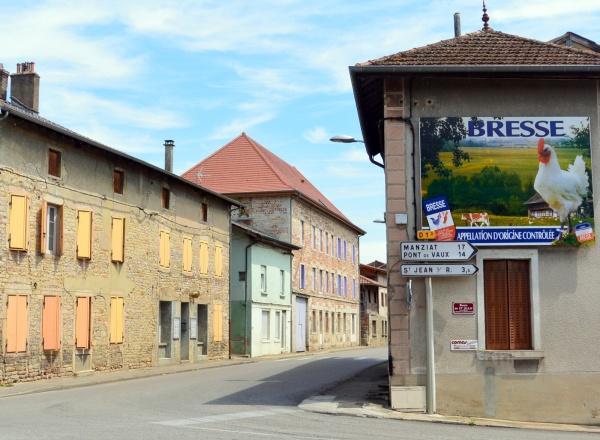 Saint-Julien sur reyssouze,le bourg.