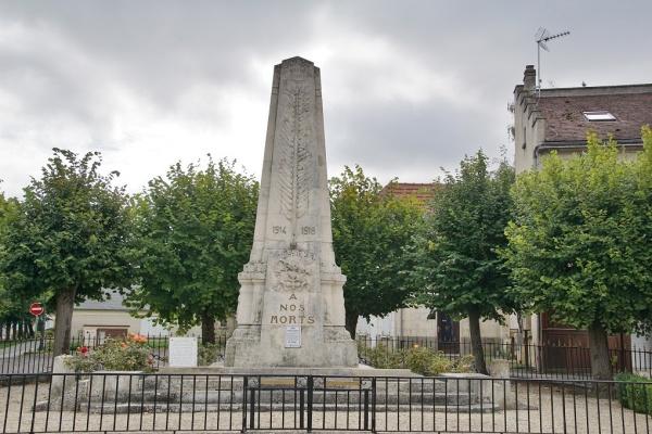 Photo Blérancourt - Le Monuments aux Morts