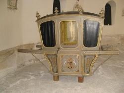 Photo paysage et monuments, Caulaincourt - Chaise à porteurs de la marquise de TOURZEL  (Chapelle funéraire des CAULAINCOURT)