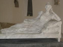 Photo paysage et monuments, Caulaincourt - Chapelle funéraire des CAULAINCOURT : La Duchesse de VICENCE  (Sculpture d'Alfred BOUCHER - 1896)