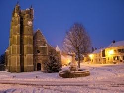 Photo paysage et monuments, Chézy-en-Orxois - Place de l'Église sous la neige