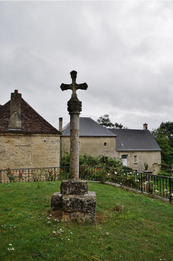 Photo Royaucourt-et-Chailvet - Calvaire