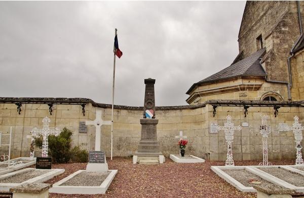 Photo Saint-Paul-aux-Bois - Monument-aux-Morts