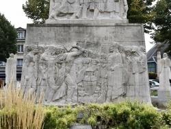 Photo paysage et monuments, Soissons - Le Monuments aux Morts