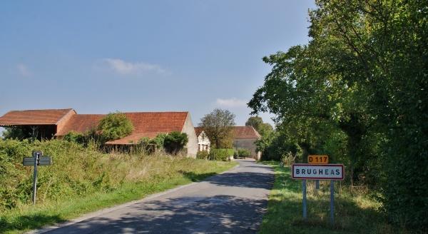 Photo Brugheas - Entrée du Village