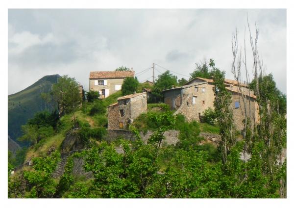 Le village de Blieux vu du camping rural