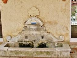 Photo paysage et monuments, La Brillanne - Fontaine