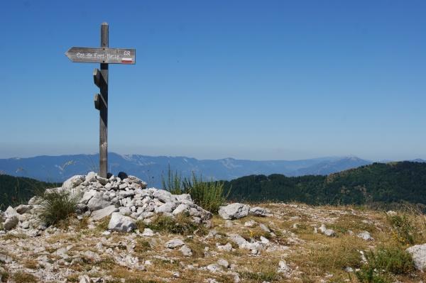 Photo Le Castellard-Melan - Direction Col de Fontbelle depuis la crête de Géruen, montagne de Lure en fond