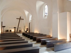 La chapelle rénovée, Oeuvre de l'artiste Saint-Aubanais, modialement reconnu, Bernar VENET