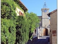 Photo paysage et monuments, Lurs - A l'entrée du village.