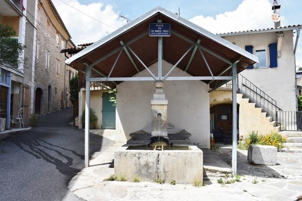 Photo Aspremont - la Fontaine