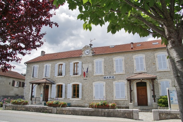 Photo Aspremont - la Mairie