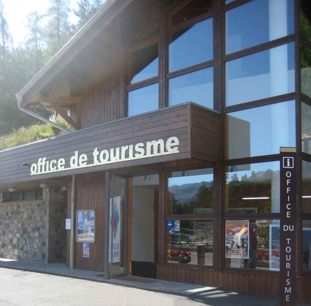 L 39 office de tourisme une photo de valdeblore - Office de tourisme louhans ...