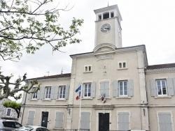 Photo paysage et monuments, Alba-la-Romaine - la Mairie