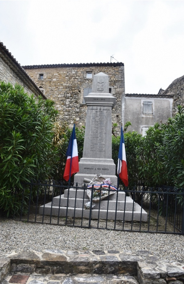 Photo Bessas - le monument Aux Morts