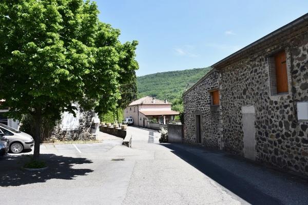 Photo Darbres - le Village