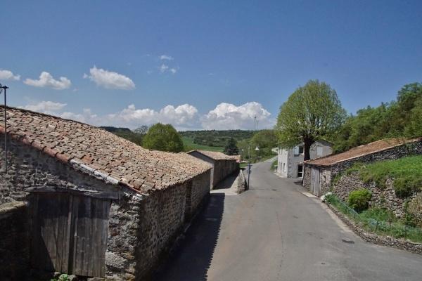 Photo Freyssenet - le Village