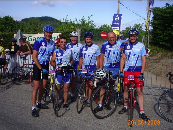 Col du Buisson RCTL regroupement avant l'arrivée Ardéchoise