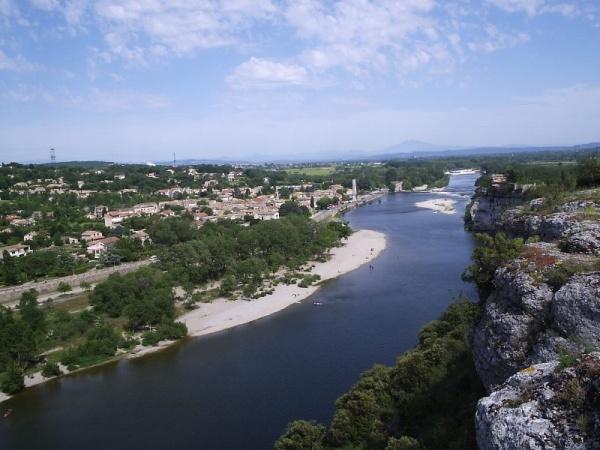 Photo Saint-Martin-d'Ardèche - Le village et le mont Ventoux