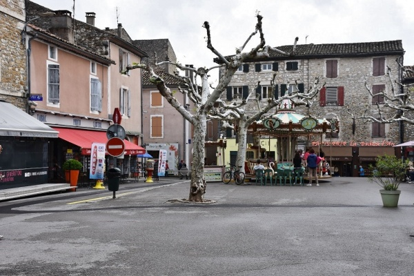 Photo Vallon-Pont-d'Arc - le Village