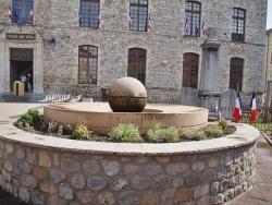 Photo paysage et monuments, Vallon-Pont-d'Arc - la Fontaine