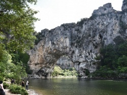 Photo de Vallon-Pont-d'Arc