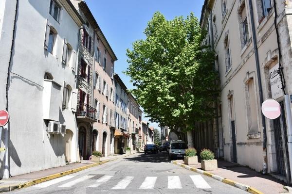 Photo Villeneuve-de-Berg - le Village