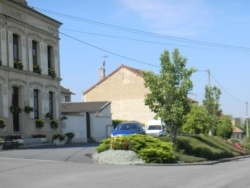 Photo paysage et monuments, Rilly-sur-Aisne - photo de l'eglise de rilly sur aisne cote sud et photo cote nord