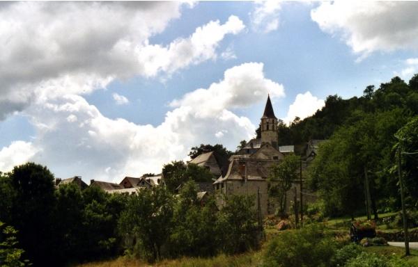 Photo Galey - Le village de Galey et son église Saint Pierre