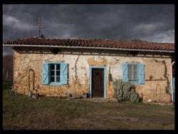 Photo paysage et monuments, Sainte-Croix-Volvestre - maison dans le volvestre