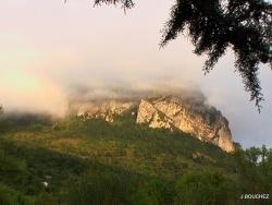 Photo paysage et monuments, Bugarach - le pech sous les nuages