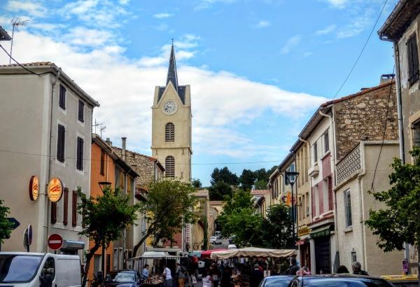 Leucate village - Centre ville.B.