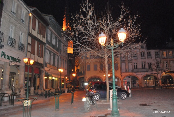 Photo Limoux - place de la République vue de nuit