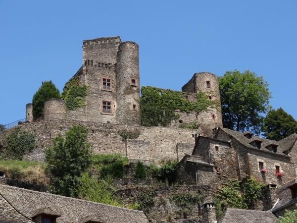 Photo Belcastel - Le Chateau vu du vieux Pont