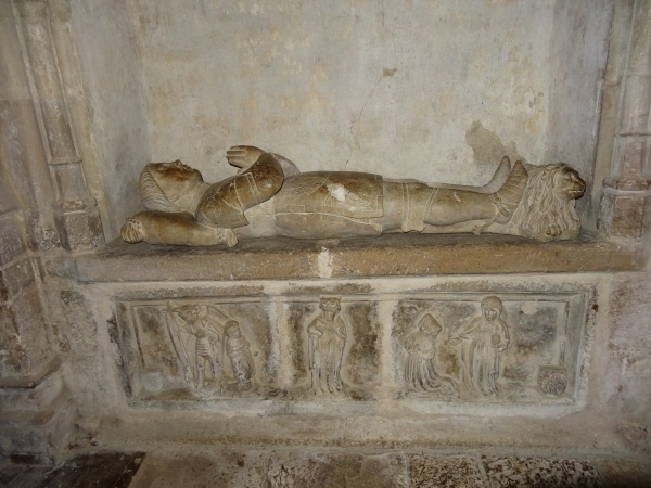 Photo Belcastel - Le gisant de Alzias de Saunhac