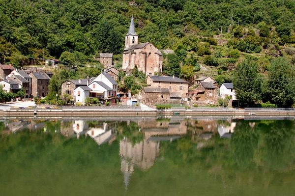 Photo Brousse-le-Château - reflets