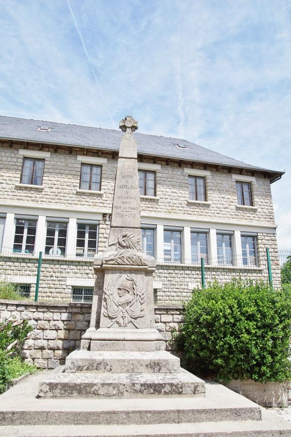 Photo Castelnau-de-Mandailles - le monument aux morts