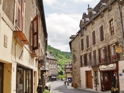 Photo paysage et monuments, Estaing - La Commune