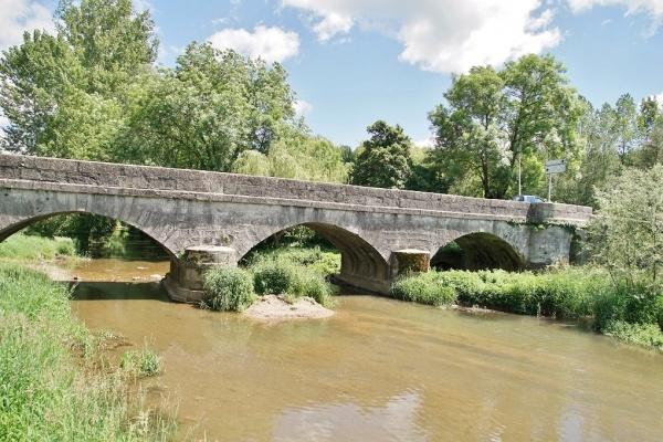 Photo Gaillac-d'Aveyron - le pont